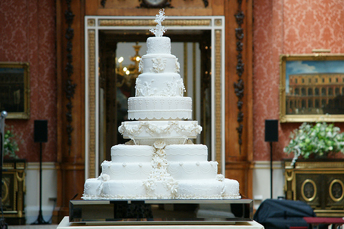 {Fabulous Friday} : Royal Wedding Cake