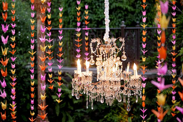 Wedding trends hanging wedding decor part 2 belle the magazine mason jars a must have for a rustic chic wedding we have seen them around use for centerpieces and favors but without a doubt hanging them is the junglespirit Image collections