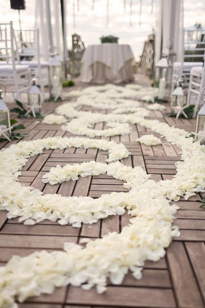 {Wedding Trends}: Aisle Petals