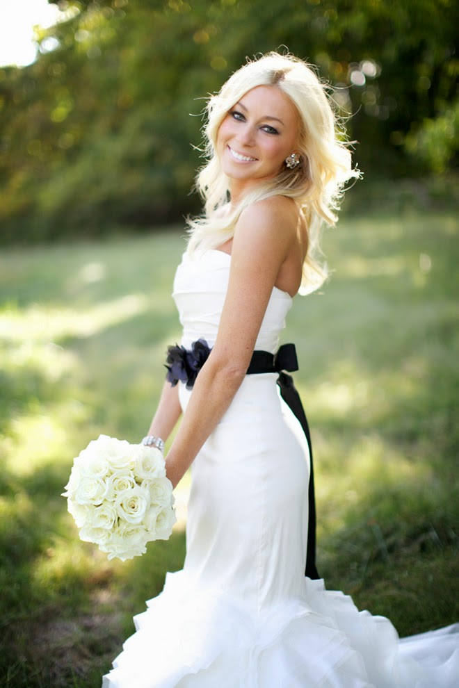 Black and White Sophisticated Wedding