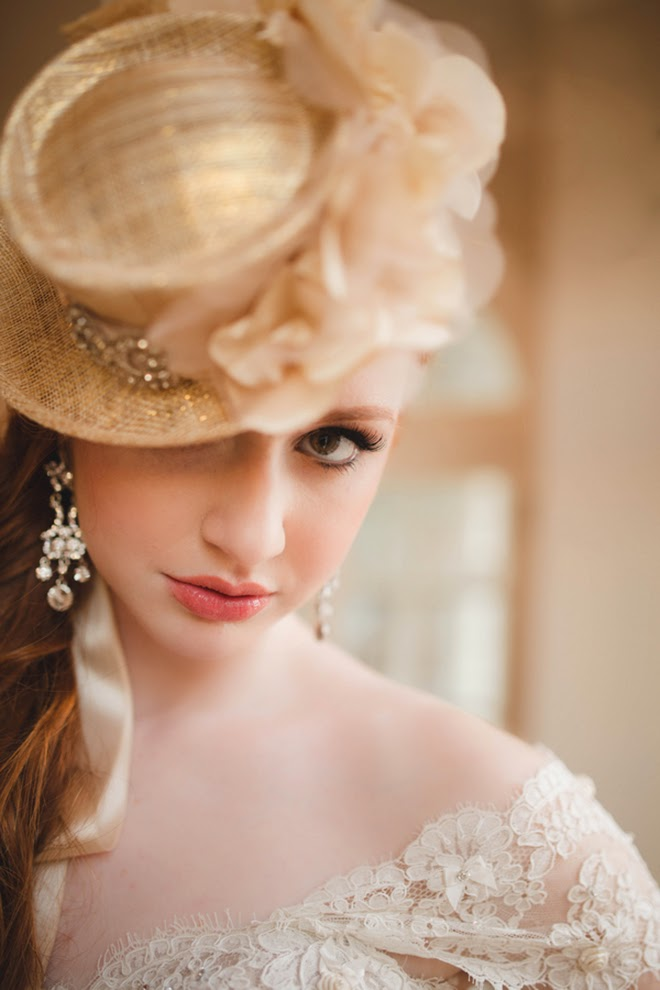 Modern Elegance with a Dash of Gold Wedding Inspiration
