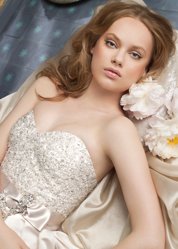 {Wedding Day Beauty} : Inspiration from Bridal Collections