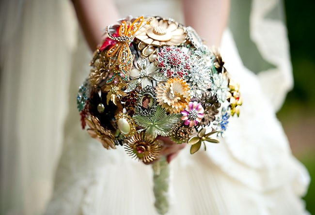 Wedding Trends Vintage Brooch Bouquets