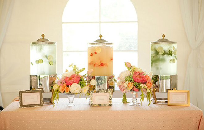 {Wedding Trends} : Drink Stations