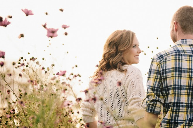 Sweet & Charming Fall Engagement Session