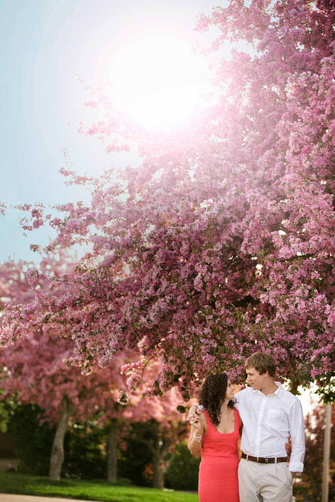 Pretty Spring Engagement Session