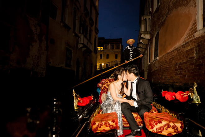 Fabulous Venice, Italy Engagement Session