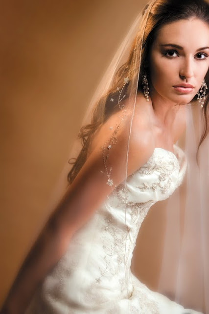 What do fashion models and brides have in common? Photo shoots!