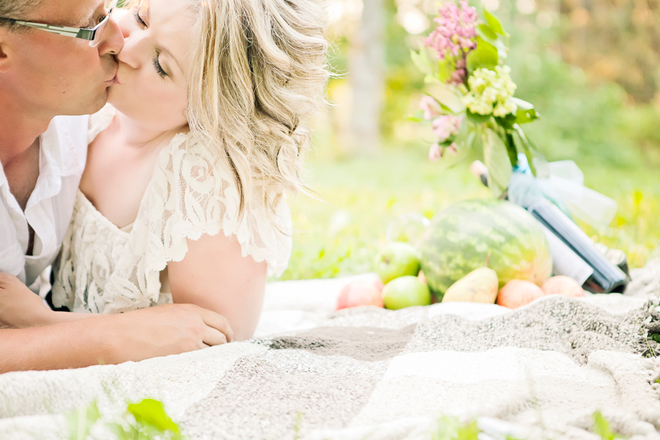 Romantic Picnic Engagement Session