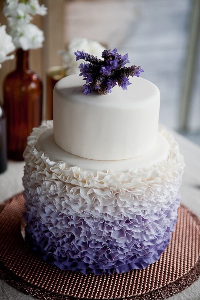 {Wedding Trends} : Ruffled Cakes