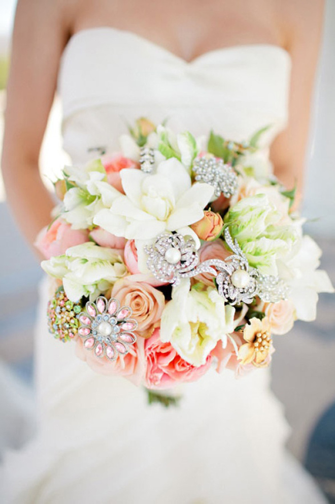 25 stunning wedding bouquets part 7 belle the magazine for Bouquet de fleurs nature