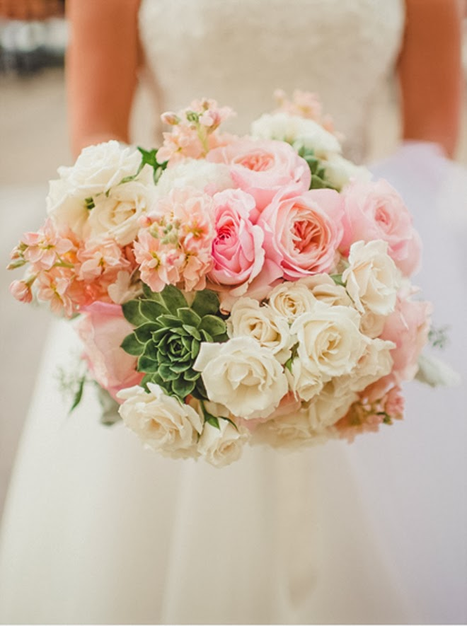 12 Stunning Wedding Bouquets – 25th Edition