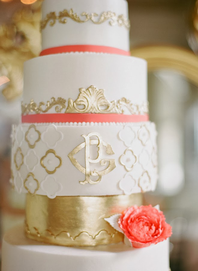 Here Is A Round Up Of 12 Gorgeous Metallic Wedding Cakes With Just Enough Fancy To Make Your Heart Flutter