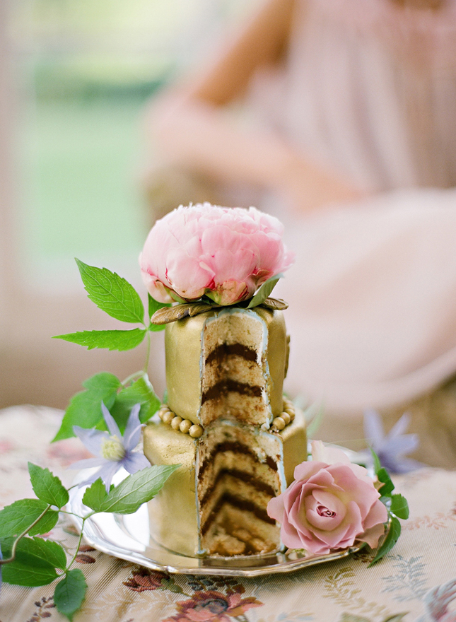 Metallic Wedding Cakes – Part 3