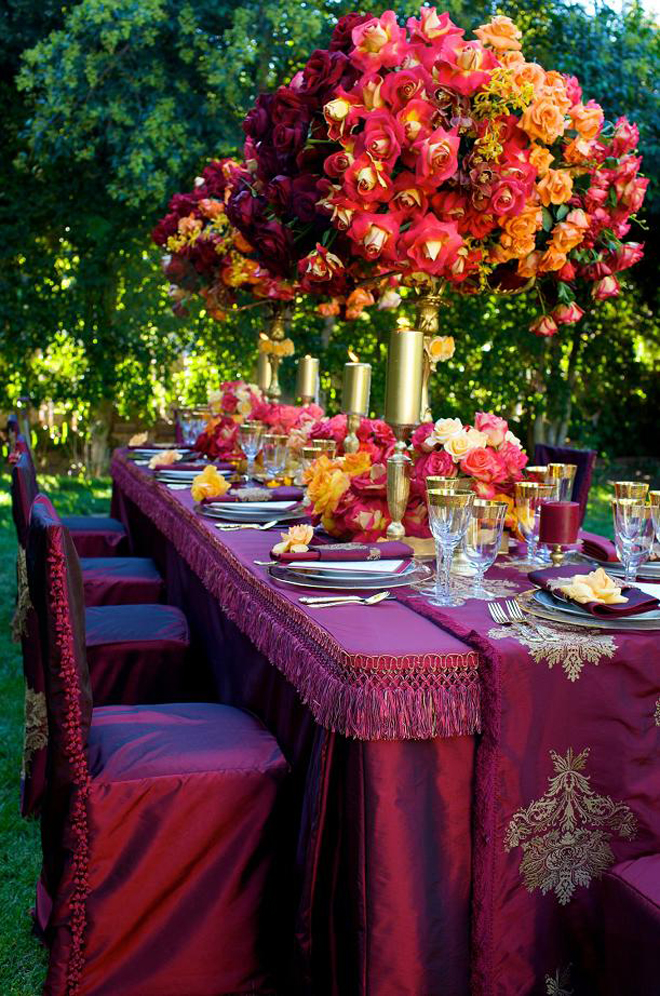 Long wedding table ideas belle the magazine for Wedding party table decorations