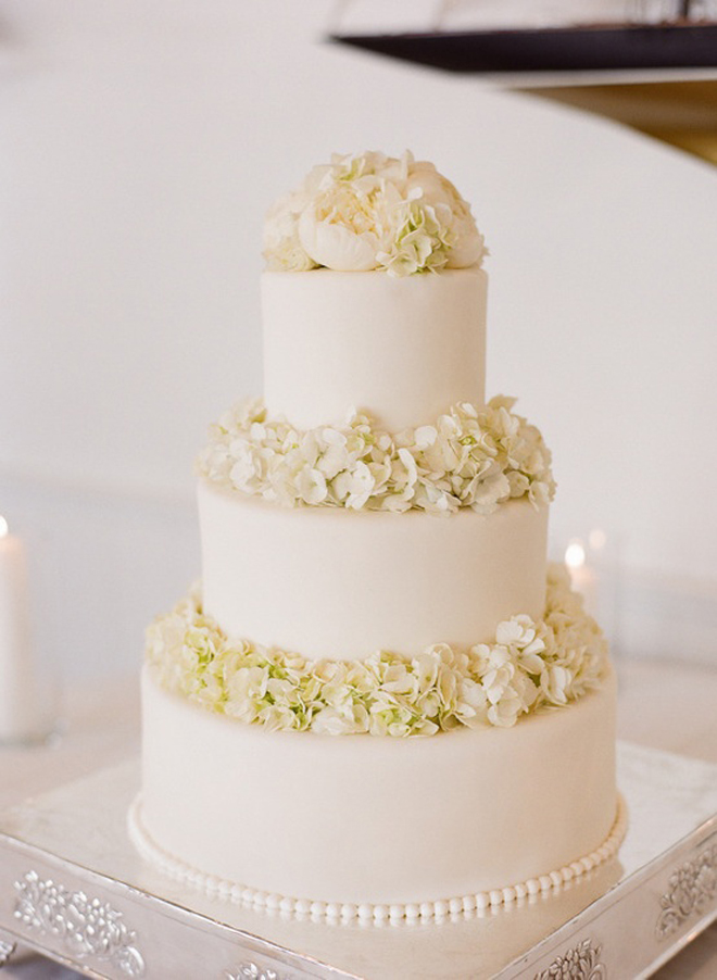 images of all white wedding cakes all white wedding cakes the magazine 16326