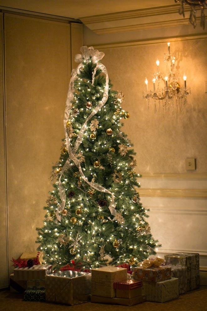 Elegant White Christmas Wedding