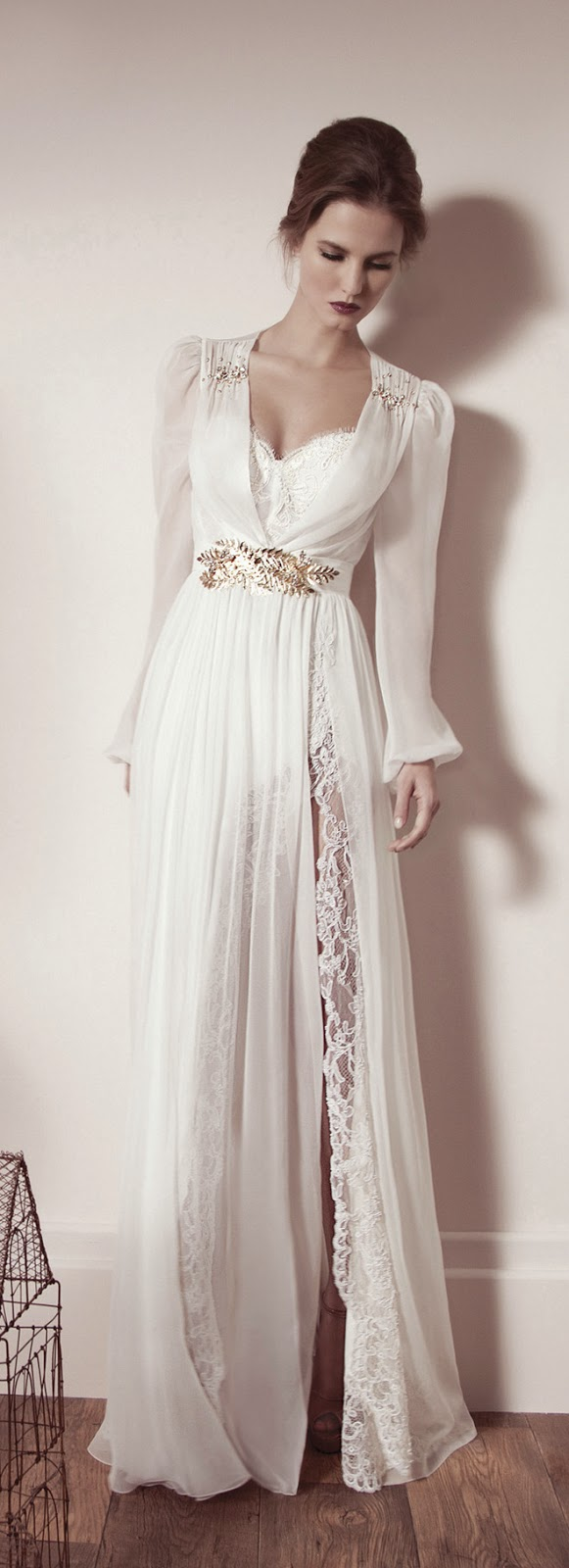 Winter wedding dresses belle the magazine for Night dress for wedding night