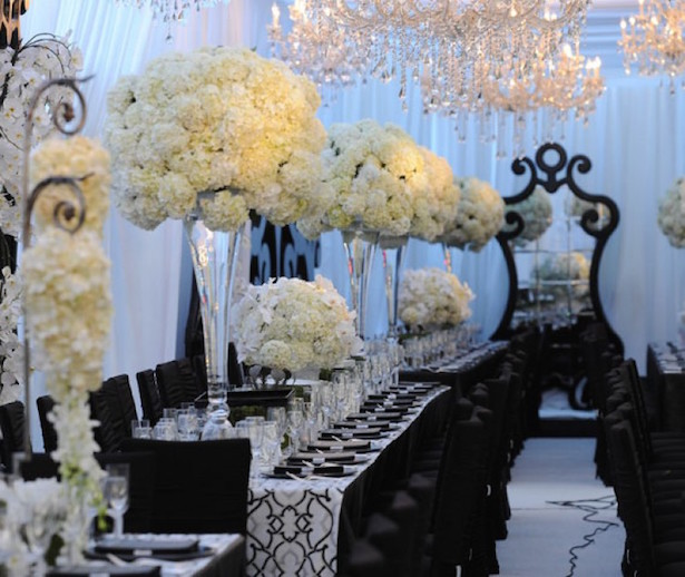 Wedding day look black lace moment belle the magazine for Black and white reception tables