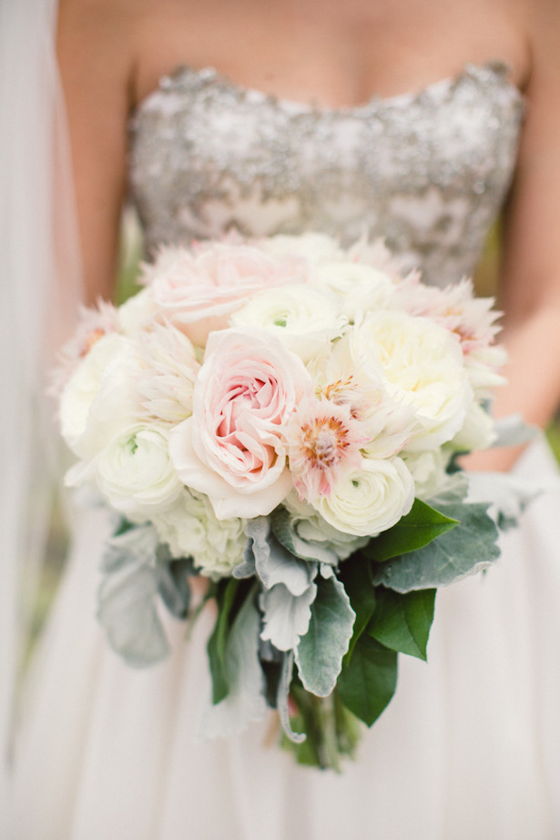 12 Stunning Wedding Bouquets – 35th Edition