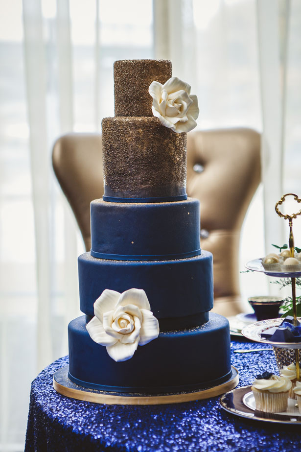 white gold and royal blue wedding cake royal blue and gold wedding cake the magazine 27292