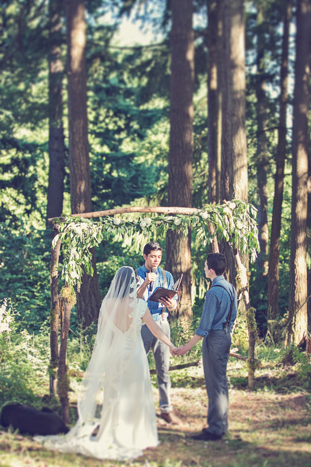 Organic + Rustic Wedding ceremony