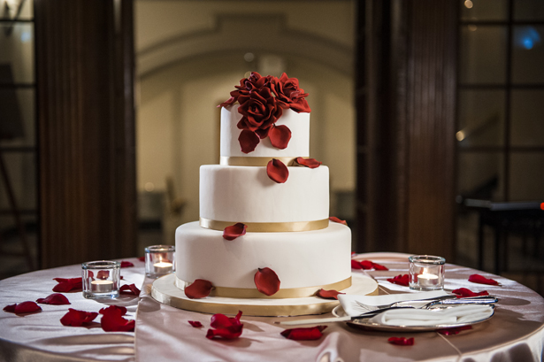 Ivory Wedding Cake and Red Roses