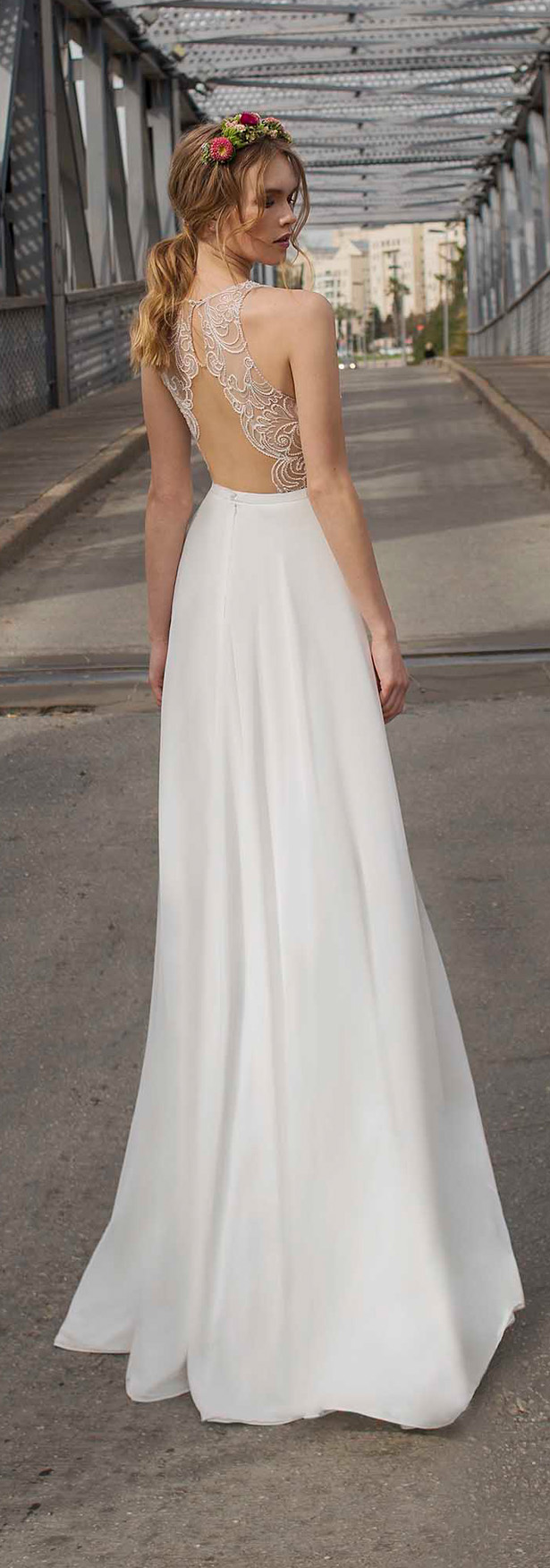 Best wedding dresses of 2015 belle the magazine for Best wedding dresses for petites