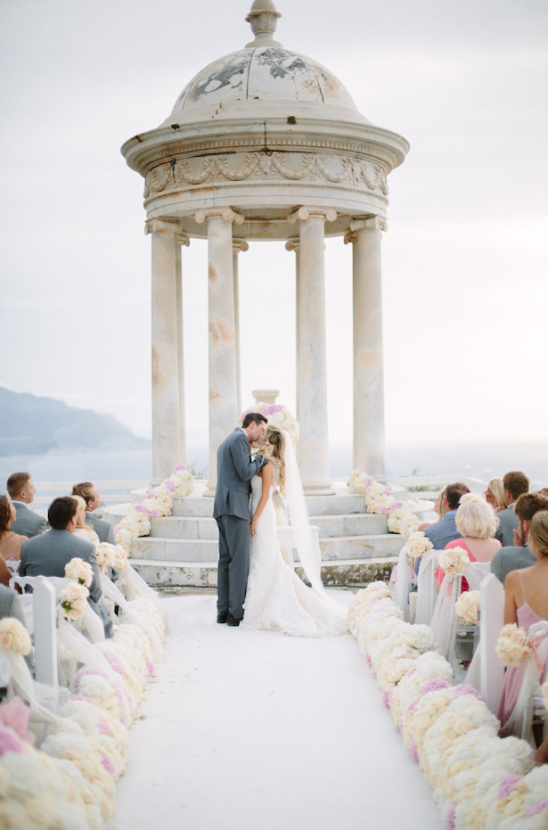 12 Gorgeous Wedding Ceremony Decor Ideas