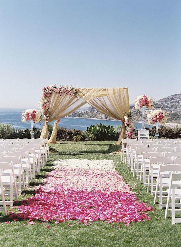 Outdoor Wedding Ceremony Decor Idea