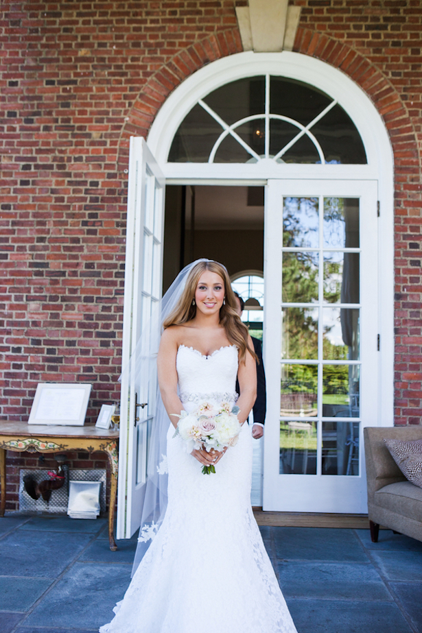 Sophisticated bride ~ Caitlinn Mahar-Daniels Photography
