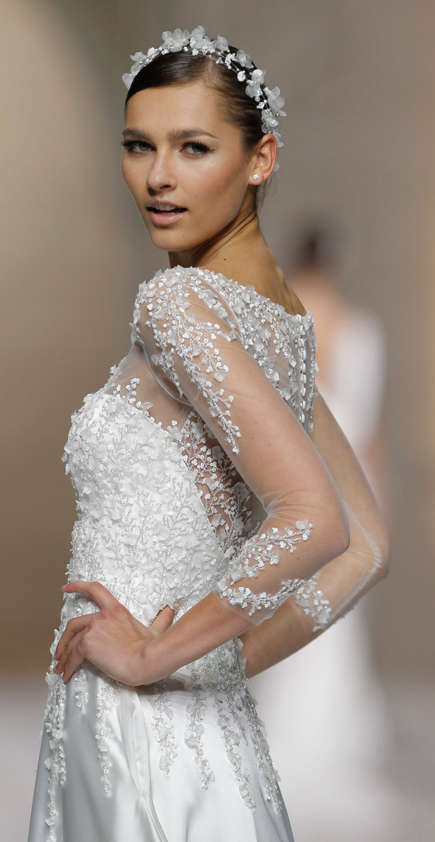 Atelier Pronovias 2015 – The Runway