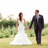 Vineyard wedding photo idea - Dan and Melissa Photography
