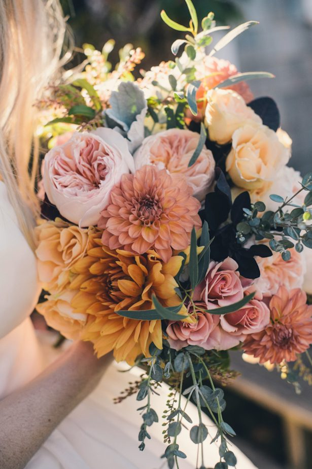 15 Stunning Fall Wedding Bouquets