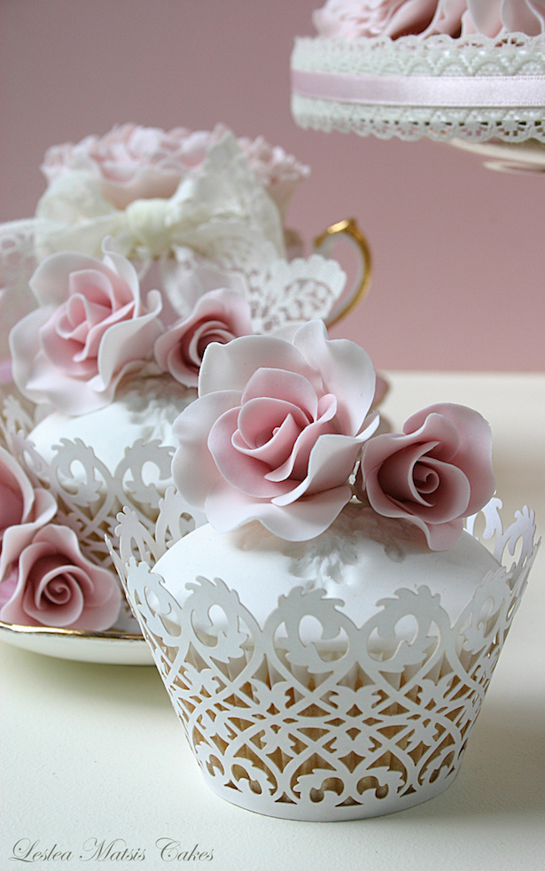 wedding-cupcakes-sugar-flowers-4b