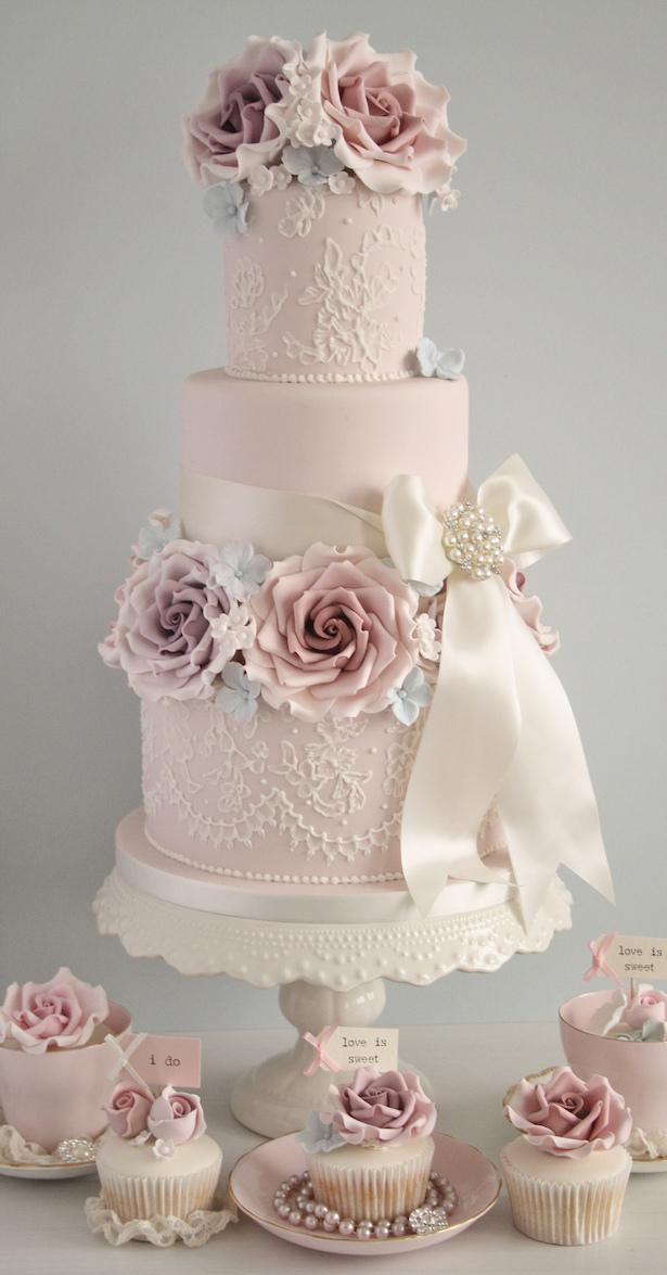 Wedding Cake Ideas: Sugar Flowers