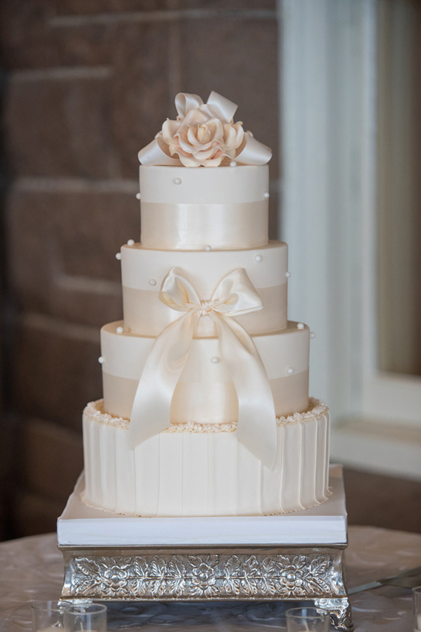 Ivory cake - Michael David Photography