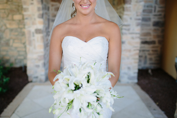White wedding bouquet - Bluespark Photography