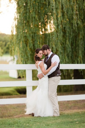 Wedding picture ideas - Dan and Melissa
