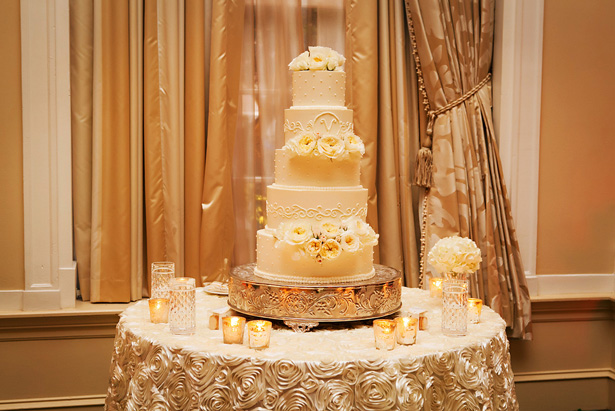Wedding cake - Limelight Photography