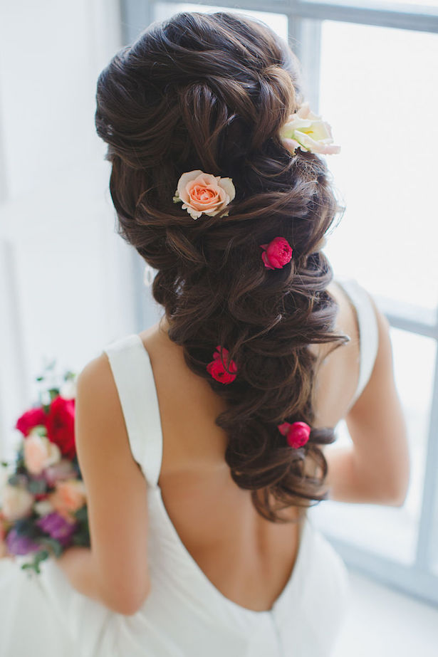 20 gorgeous wedding hairstyles belle the magazine wedding hairstyle via el style junglespirit Choice Image