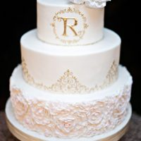 Classic Wedding Cake - Kristen Weaver Photography