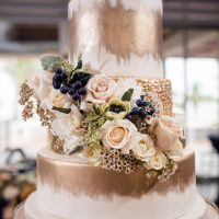 Gold wedding cake details - Stacy Anderson Photography