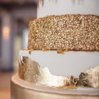 Gold wedding cake - Stacy Anderson Photography