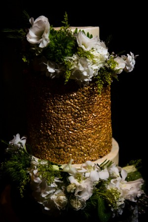 Gold wedding cake - Shawna Hinkel Photography