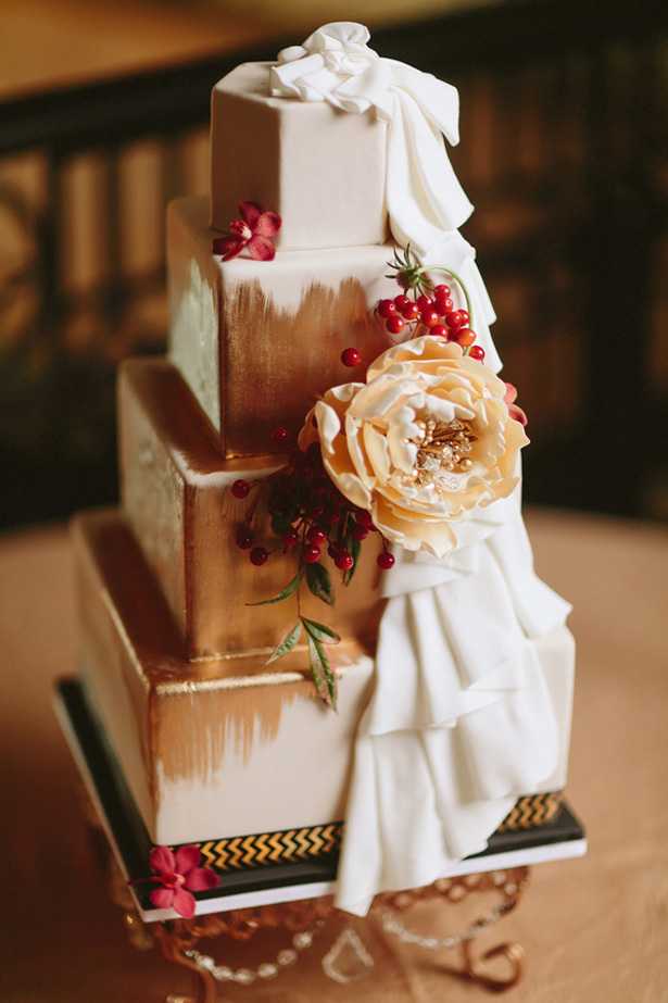 Gold wedding cake - Blue Bend Photography