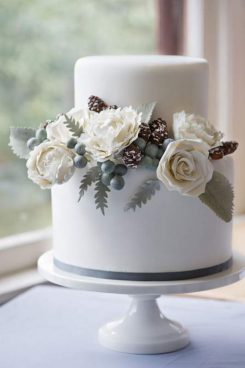 Winter wedding cakes belle the magazine winter wedding cakes by junglespirit Images