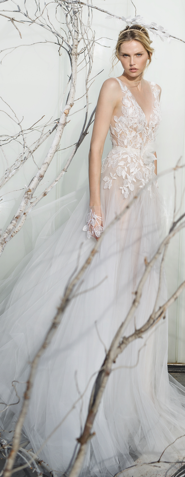 Mira zwillinger spring 2017 bridal collection whispher of mira zwillinger whispher of blossom spring 2017 fern 1 ombrellifo Gallery
