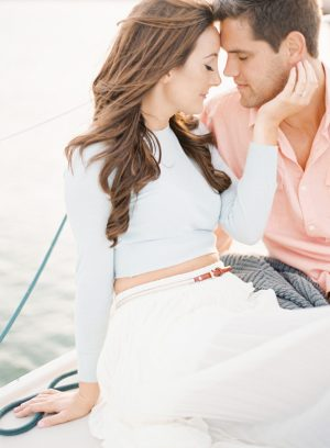 Boat engagement photo idea - Melanie Gabrielle Photography