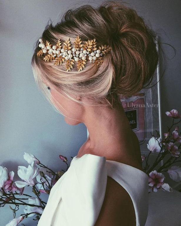 Beautiful bridal updos for your summer wedding belle the magazine wedding hairstyle bridal updos junglespirit Choice Image